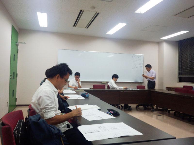 大学院授業 右が浜田淳教授