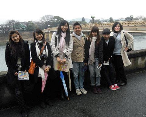 タイの学生記念撮影