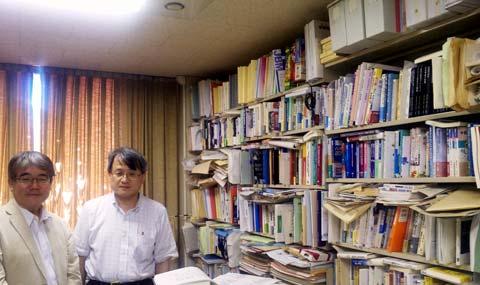 経営学部の教授をされている細川孝先生
