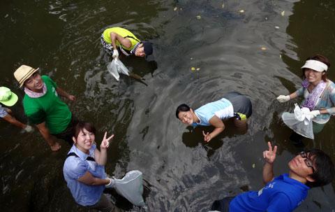 西川の清掃活動