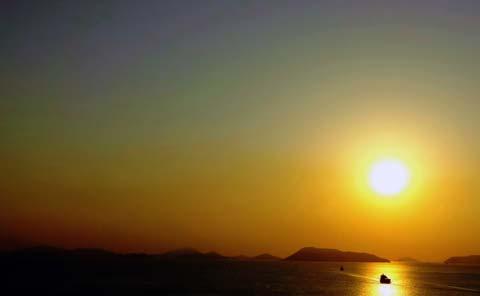瀬戸大橋からの夕日