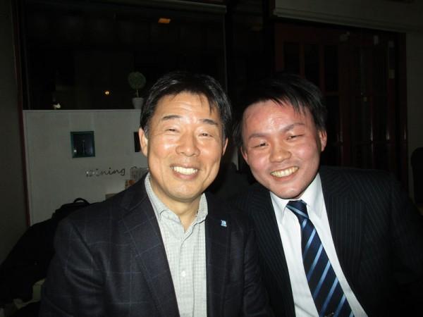 河本監督(左)と長宗君